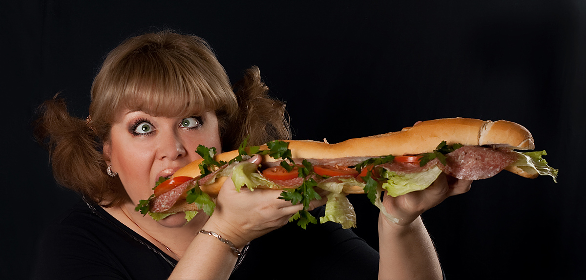 Толстушки кушают