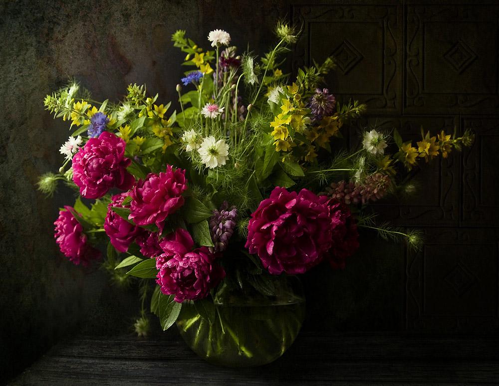 Фото букеты цветов на черном фоне