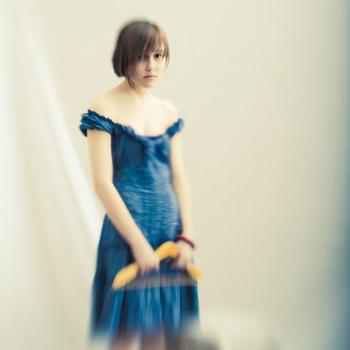 Люсиль в синем платье