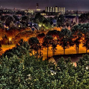 Тилбург ночью.