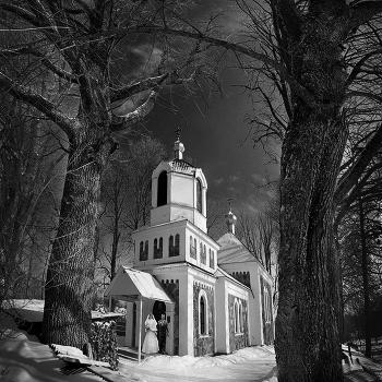 У старой церкви...