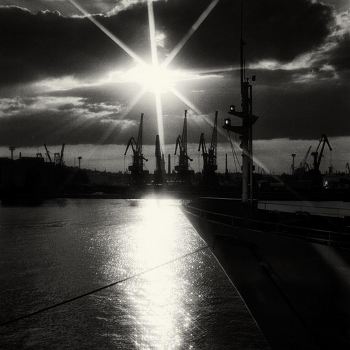Вечер в порту.