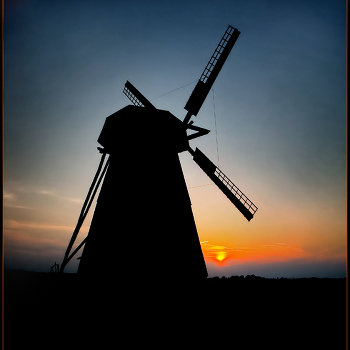 Мельница на закате